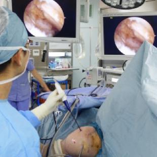 図6:鏡視下腱板修復術