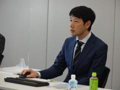 講演中の山本聡医師