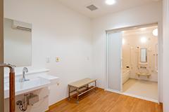 1階 脱衣・浴室
